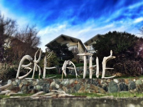 This Gonzales Beach home's driftwood art is the right message in the right place.